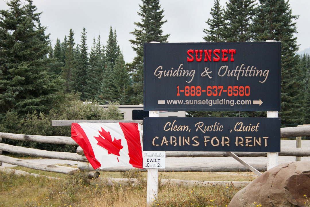 Sunset Guiding & Outfitting Sign